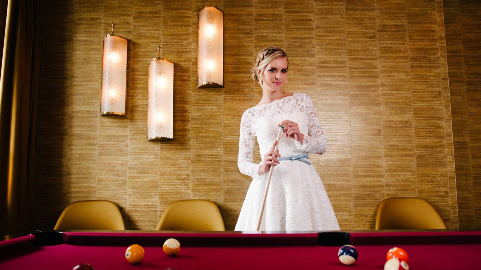 Hochzeitskleider - kurz mit Spitze
