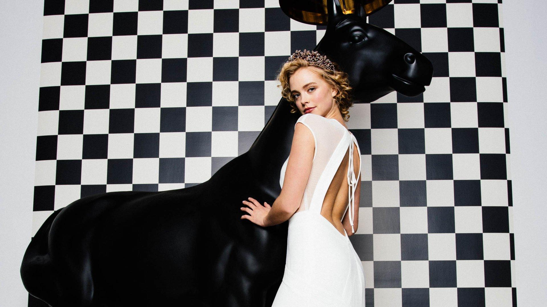 Brautkleider 2020 rückenfrei im Trend