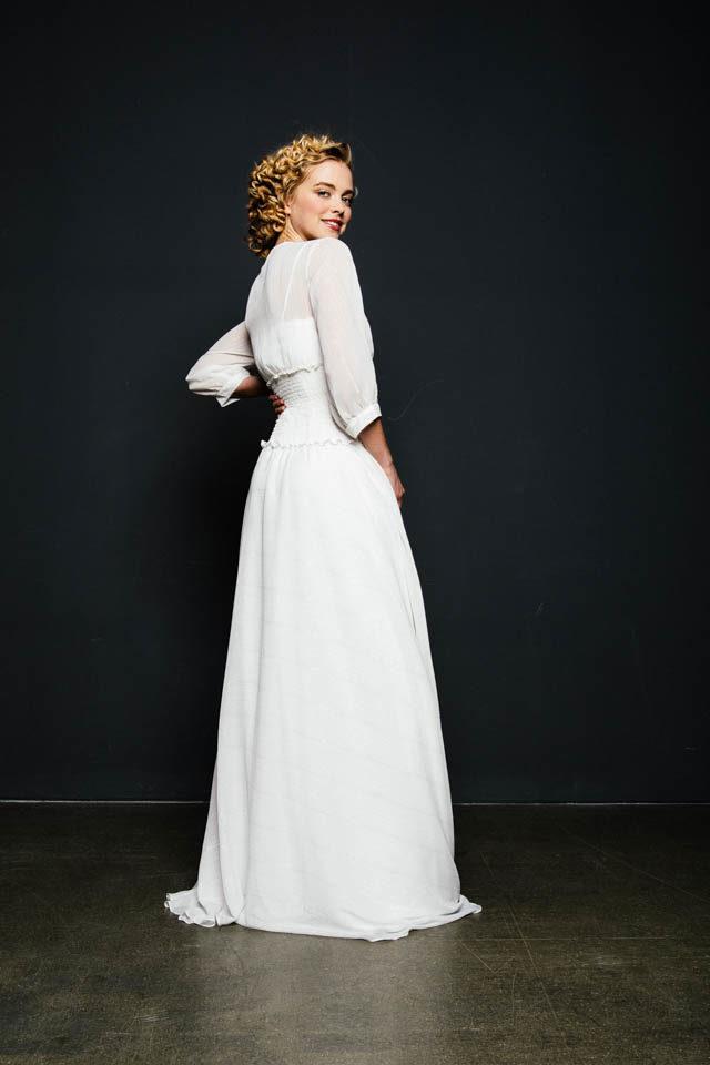 Brautkleid mit 80er Jahre Flair & gesmoktem Taillenbund – Heaven