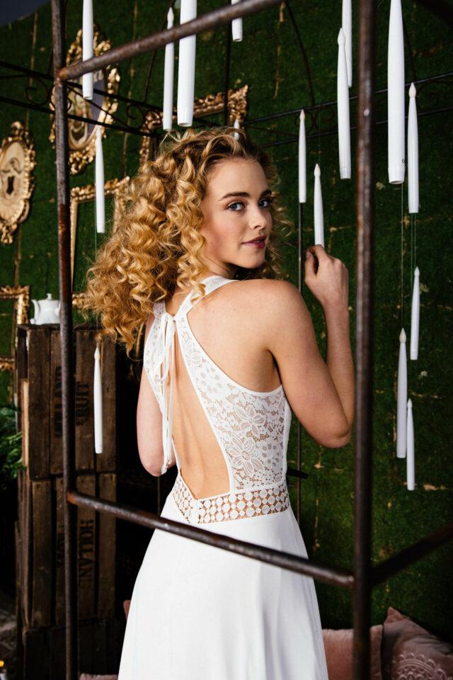 Boho Brautkleid mit Rückenausschnitt