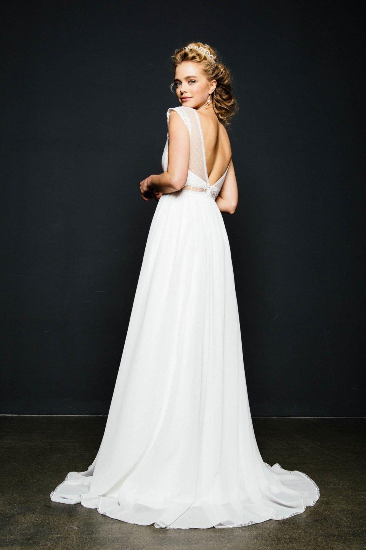 Empire Brautkleid mit Rückenausschnitt