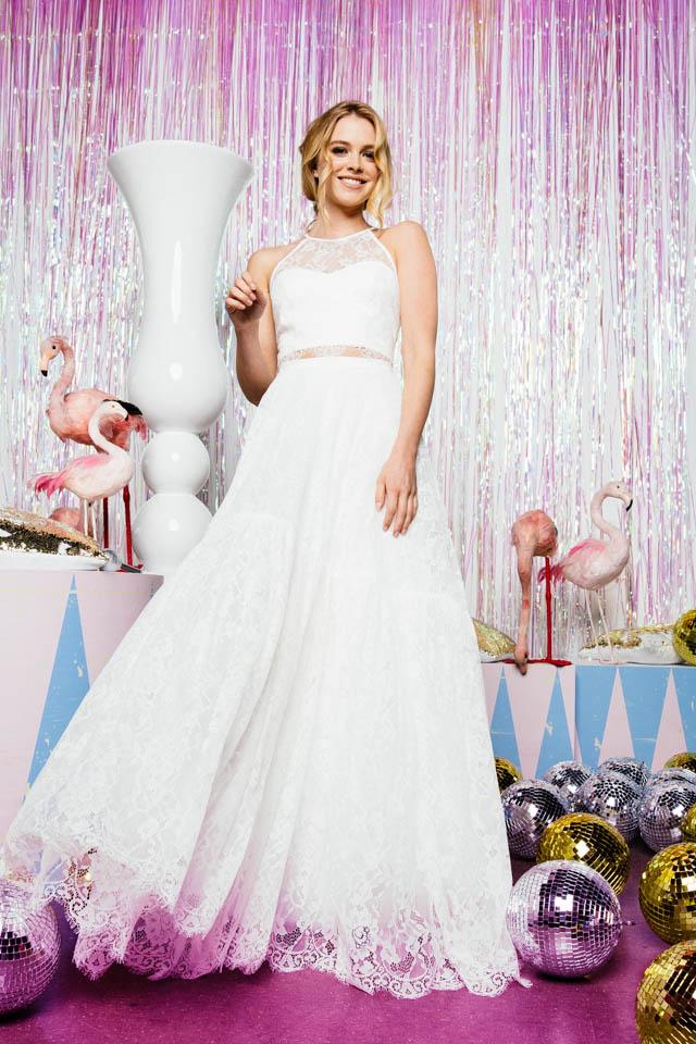 Braut Spitzenrock, weit & zart – bauchfreier Zweiteiler mit Spitzentop