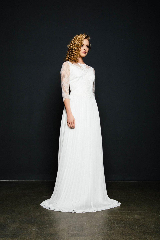 Hochzeitskleid mit 3/4 Arm und Plisseerock