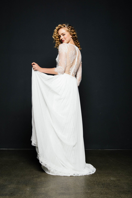 Brautkleid 3/4 Arm mit transparentem Rücken
