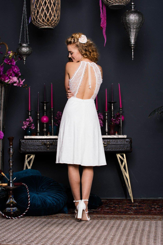 Brautkleid Kurz Spitze Ruckenfrei Kussdiebraut Kleid Zum Verlieben