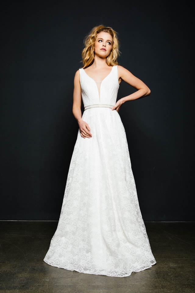 Klassisches Brautkleid in A-Linie mit tiefem Rücken – Cinderelly