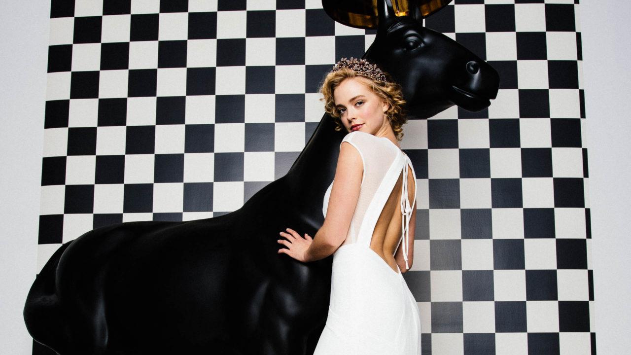 Sexy Brautkleid mit Pferd