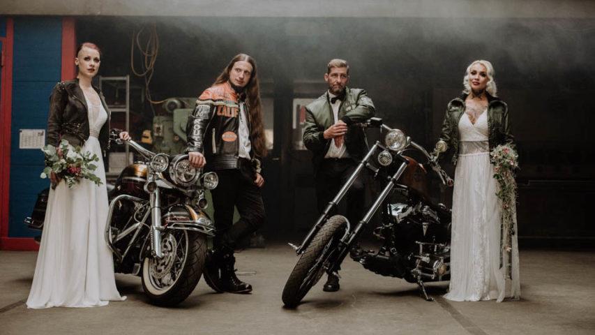 Biker Hochzeit – 2 coole Paare im rockigen Inspirationsshoot