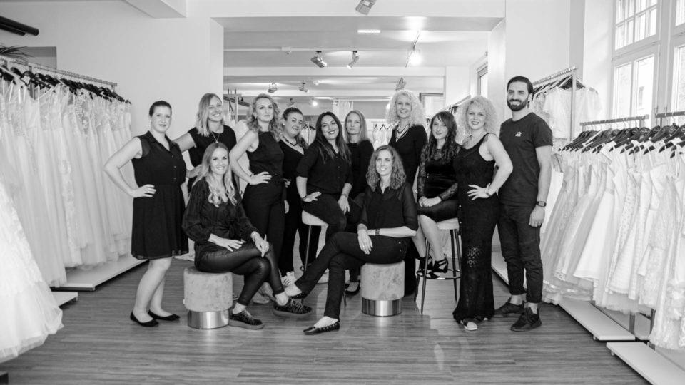 das Team von Rena Sposa in Stuttgart