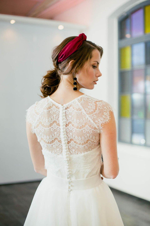 Brautbolero aus Vintage Spitze mit Knopfleiste von hinten