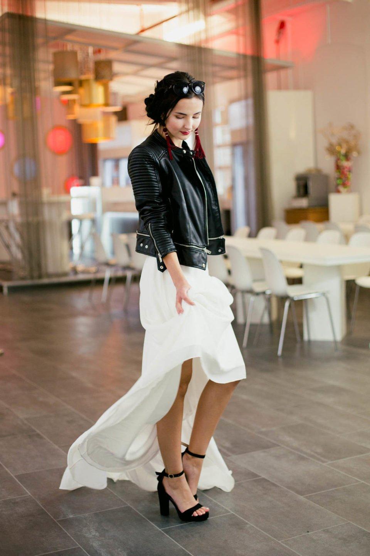 Lederjacke zum Brautkleid