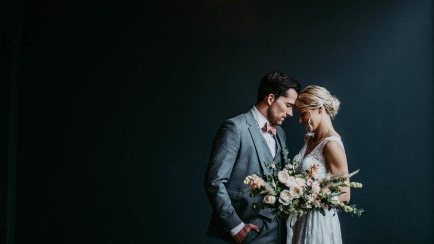 Modern heiraten – elegant urbane Inspiration im Hotel