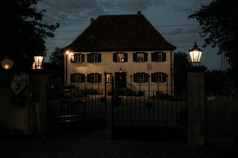 Hofgut Dornsberg im Dunkeln