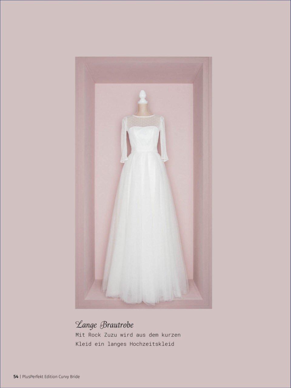 Kurzes Brautkleid mit langem Tüllrock