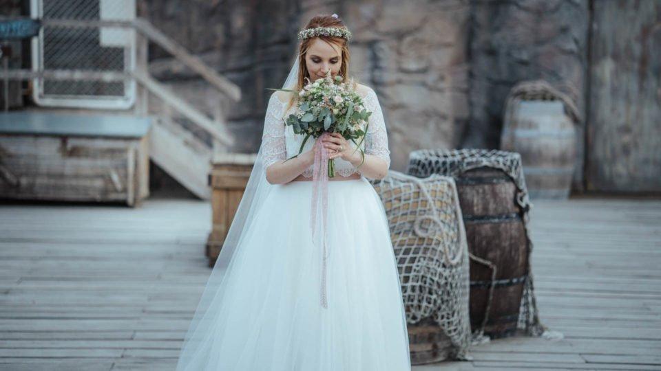 Hochzeit im Juli, Braut mit Brautstrauß