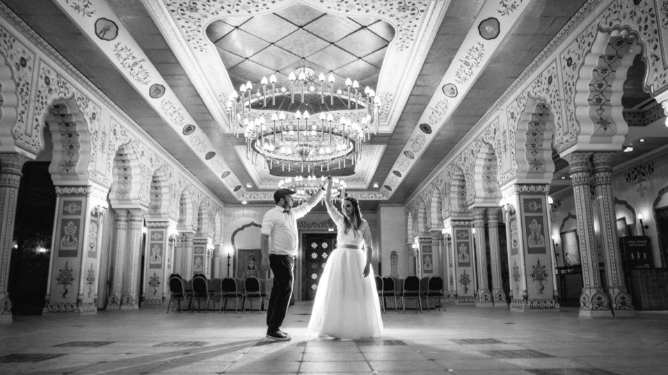 Hochzeit im Juli, tanzendes Brautpaar