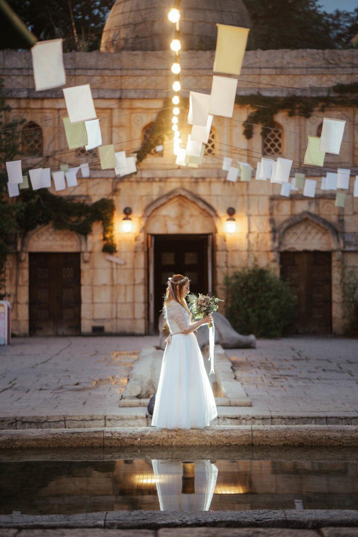 Hochzeit im Zoo, Braut mit Brautstrauß