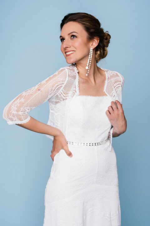 Brautjacke mit 3/4 Arm aus Bordüren artiger Spitze