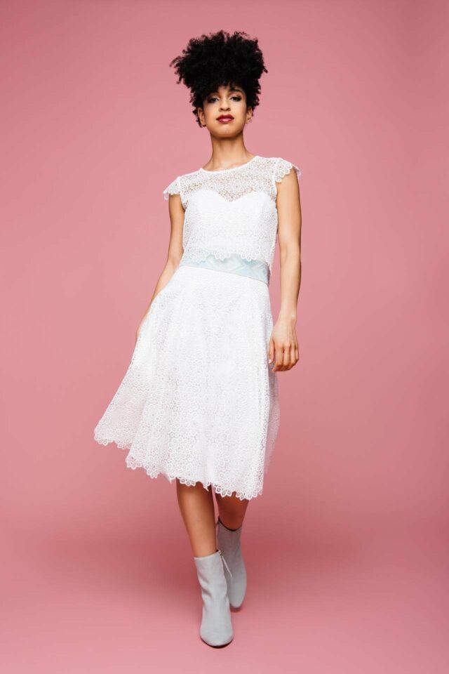 Kurzes Brautkleid mit Herzausschnitt & bezaubernder Spitze –  Elli