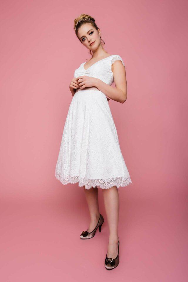 Brautkleid knielang – Petticoat Spitzenkleid mit V-Ausschnitt – Gitti