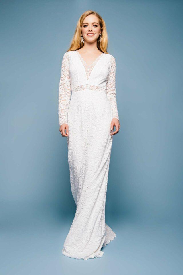 Brautkleid Langarm in Spitze – elegantes Vintage Kleid mit tiefem V – Hedi