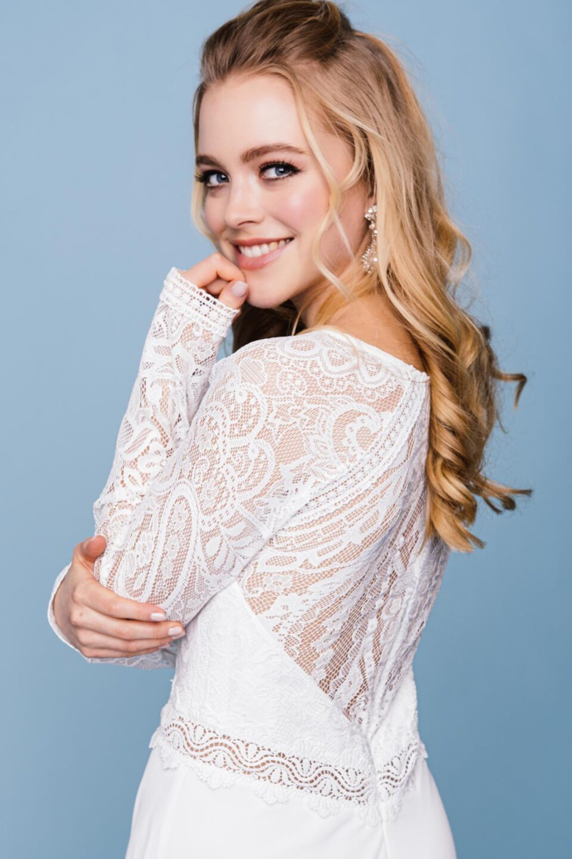 Brautkleid hochgeschlossen in Spitze