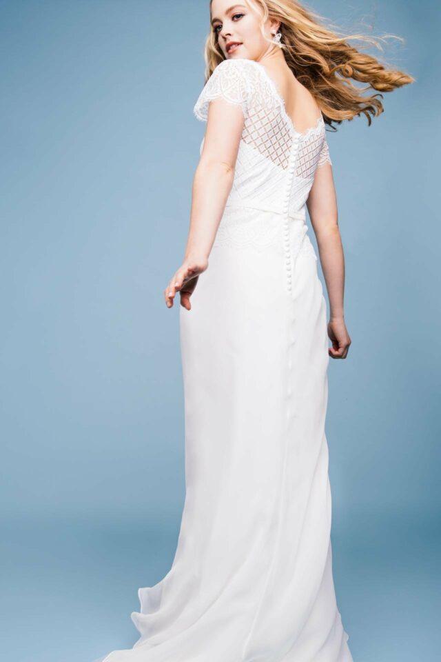 Fit and Flare Hochzeitskleid mit graphischer Spitze
