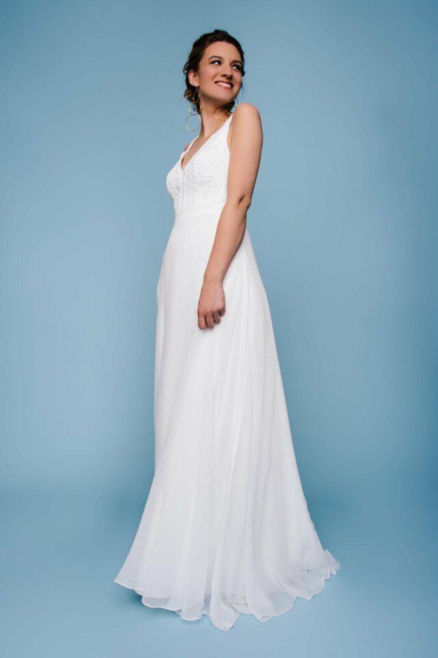 Brautkleid mit Trägern und Seidenrock