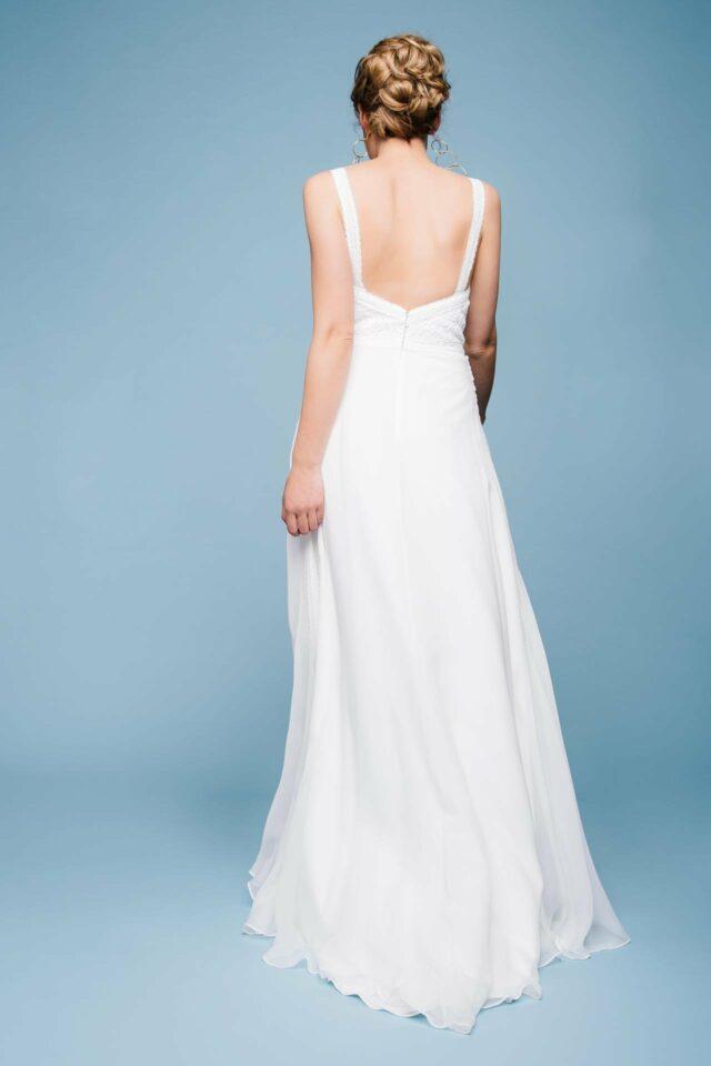 Brautkleid mit Trägern und Seidenrock – schlicht, fließend & mit Boho Charme – Lulu