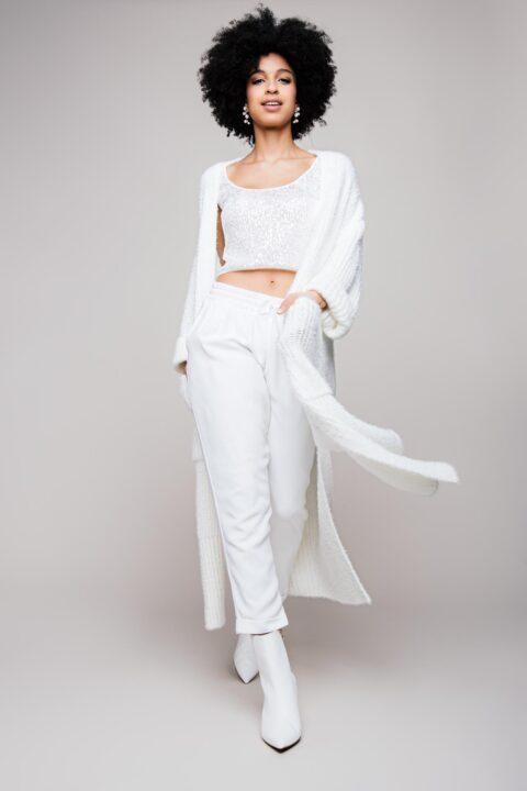 Brautkleid Zweiteiler mit Hose und Brautmantel aus Strick