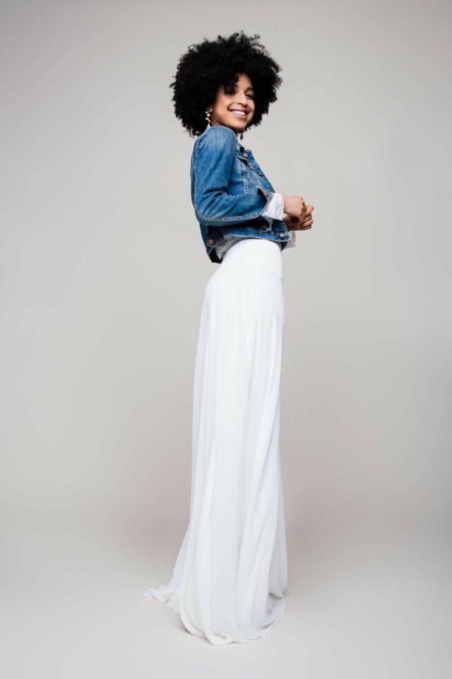 Brautrock aus Chiffon – glatt mit hohem Formbund aus Heavy Jersey