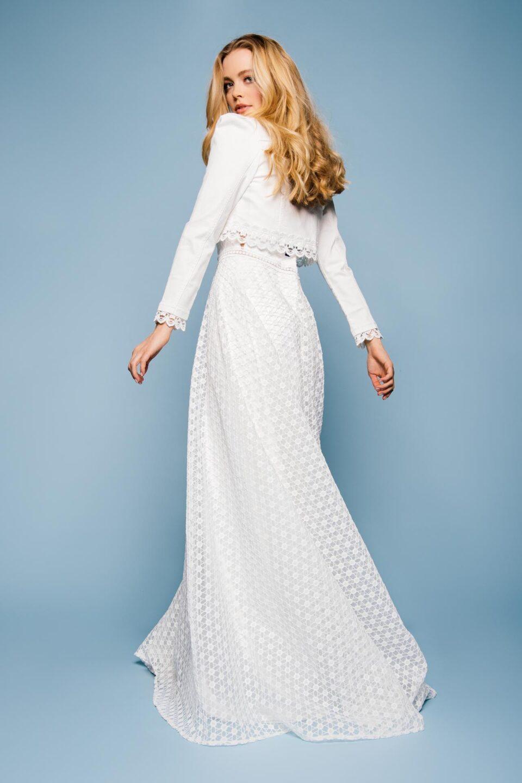 Hochzeitskleid mit besticktem Organza Rock und Colourdenim Brautjacke