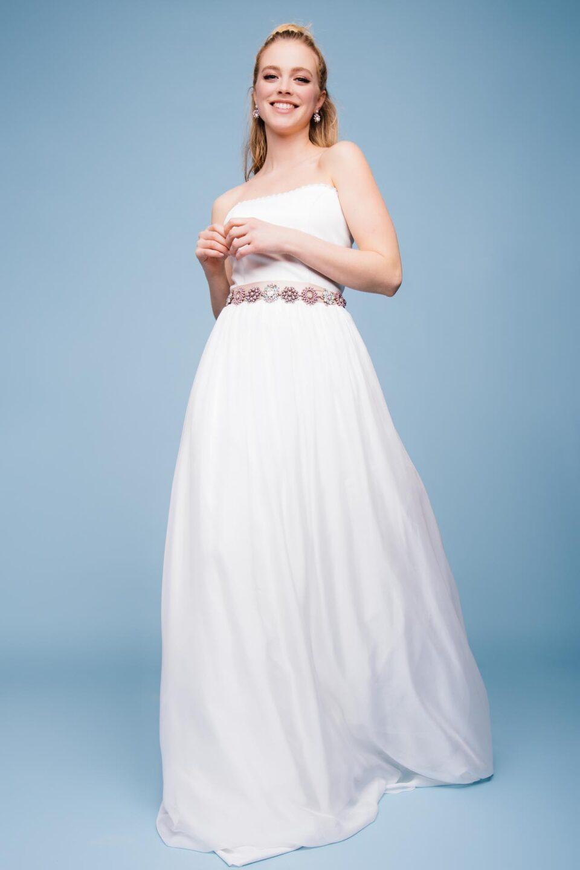 Schulterfreies Brautkleid aus Seide