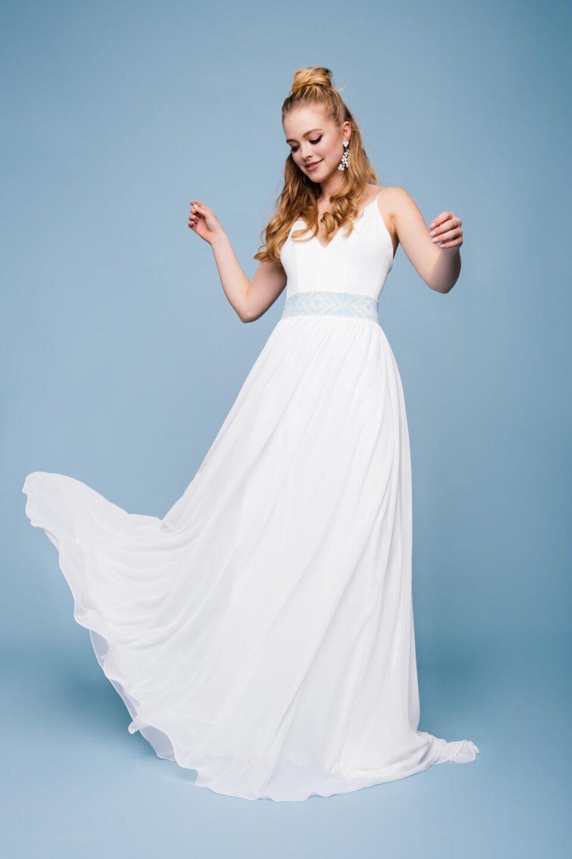 Brautkleid puristisch mit Gürtel