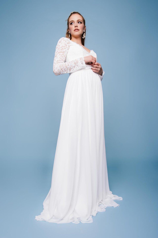 schlichtes Brautkleid mit Spitzenbolero