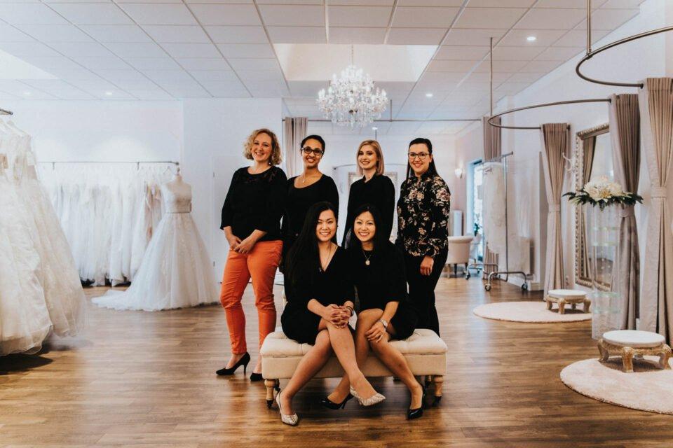 Brautkleider Friedberg mit Team von Brautmodengeschäft WunschKleid