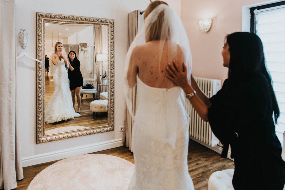 Brautkleidanprobe bei WunschKleid in Friedberg