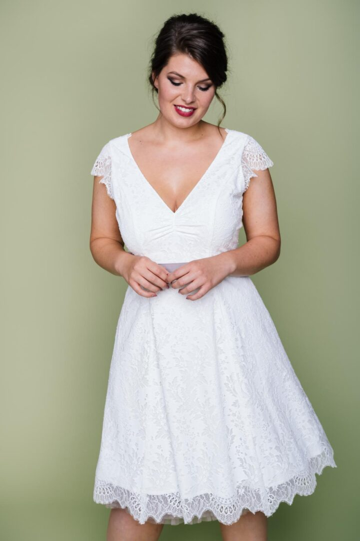 Plus Size Brautkleid knielang