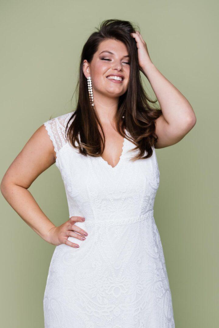 Plus Size Brautkleid mit V-Ausschnitt Liv