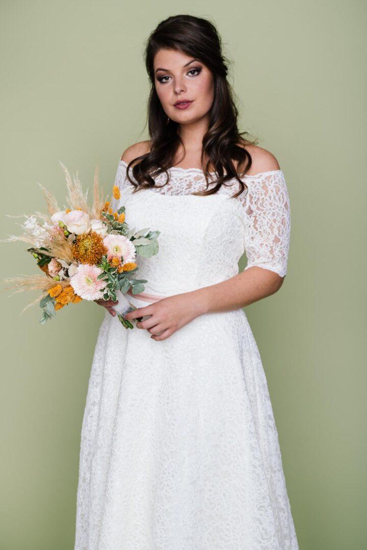 Curvy Brautkleid Spitze mit Brautbolero aus Spitze