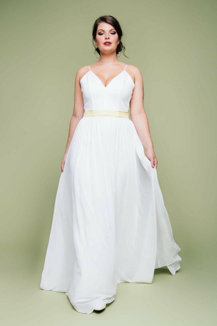 schlichtes Brautkleid große Größe