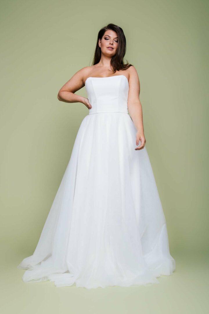 Plus Size Braut im Brautkleid Zweiteiler