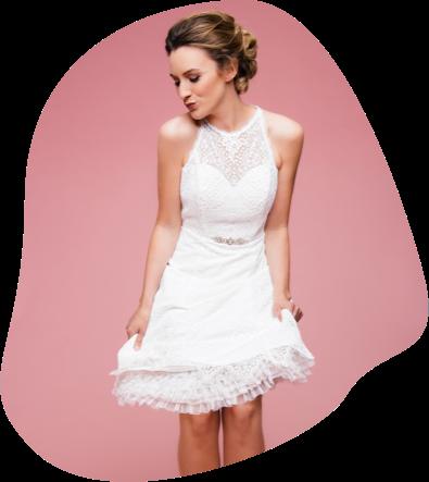 Unsere kurzen Brautkleider sind lässig, frech, frisch, selbstbewusst und wunderbar für Standesamt und Kirche geeignet. Folgt dem Link, um sie zu entdecken!