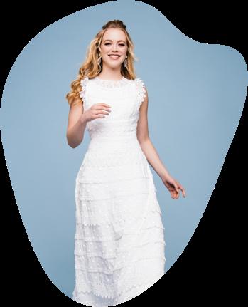 Lass' dich von unseren langen Hochzeitskleidern in einen wunderschöne Welt entführen ... edel, elegant, vielfältig, überraschend & ganz besonders! Du wirst unsere langen Brautkleider lieben und dein Traumkleid bestimmt hier finden. Wollen wir wetten? ;-)