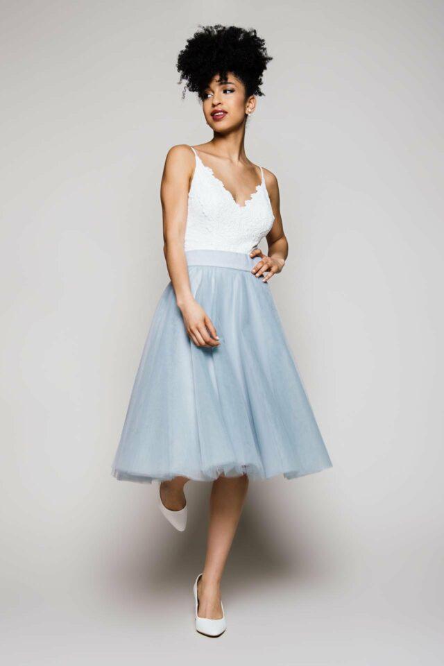 kurzer Tüllrock zur Hochzeit – farbiger Brautrock – Zuzu short Blue-Grey