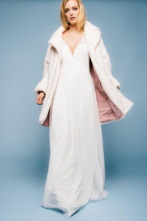 Brautmantel zum langen Brautkleid