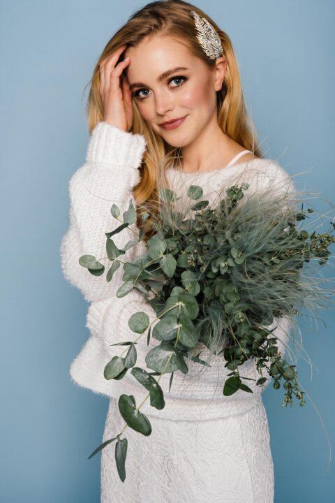 Winterbaut Brautpullover Strick mit Brautstrauß
