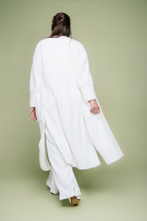 langer Brautmantel aus Strick
