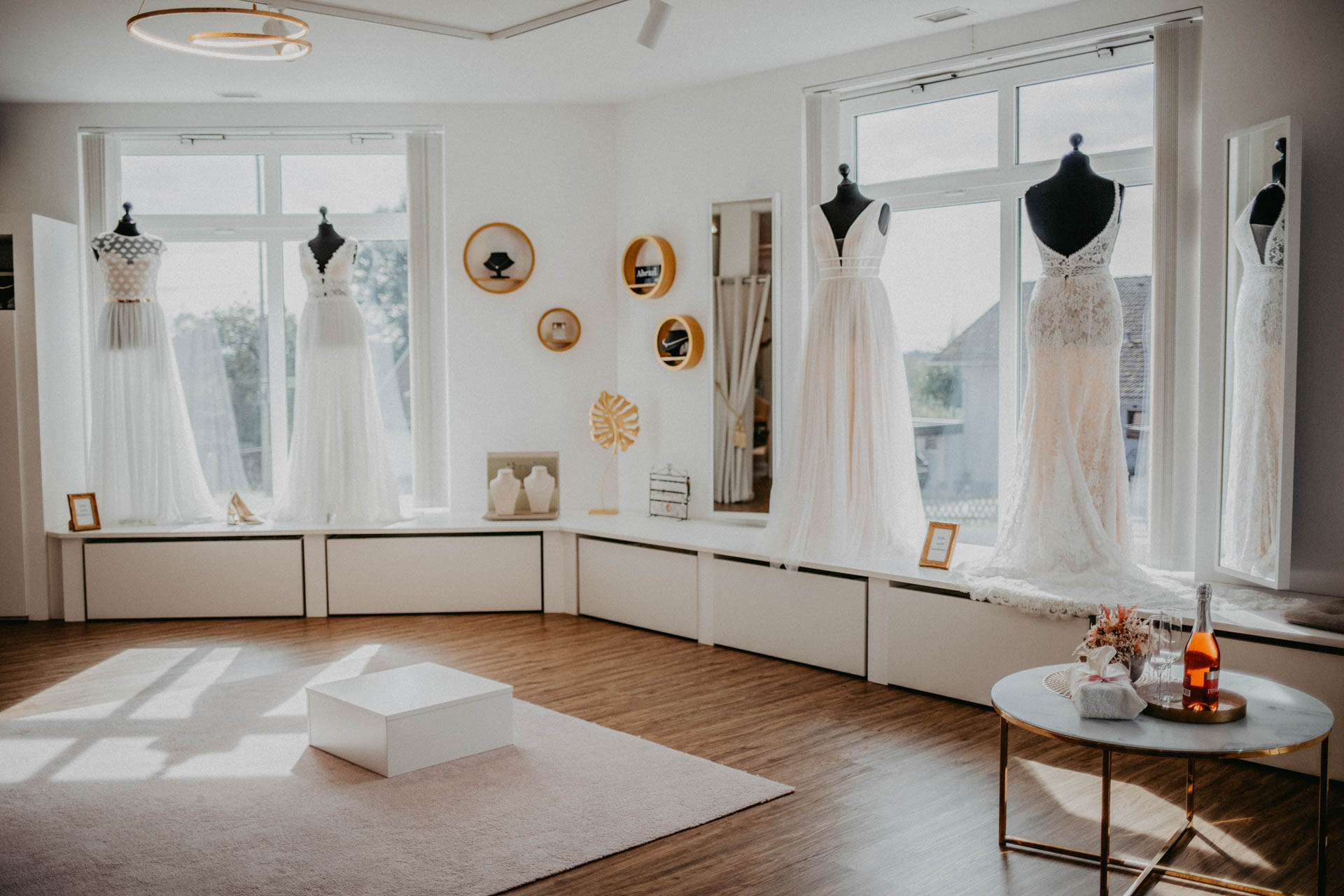 Brautmode Ingolstadt Kuessdiebraut Brautkleider In Lenting Erleben