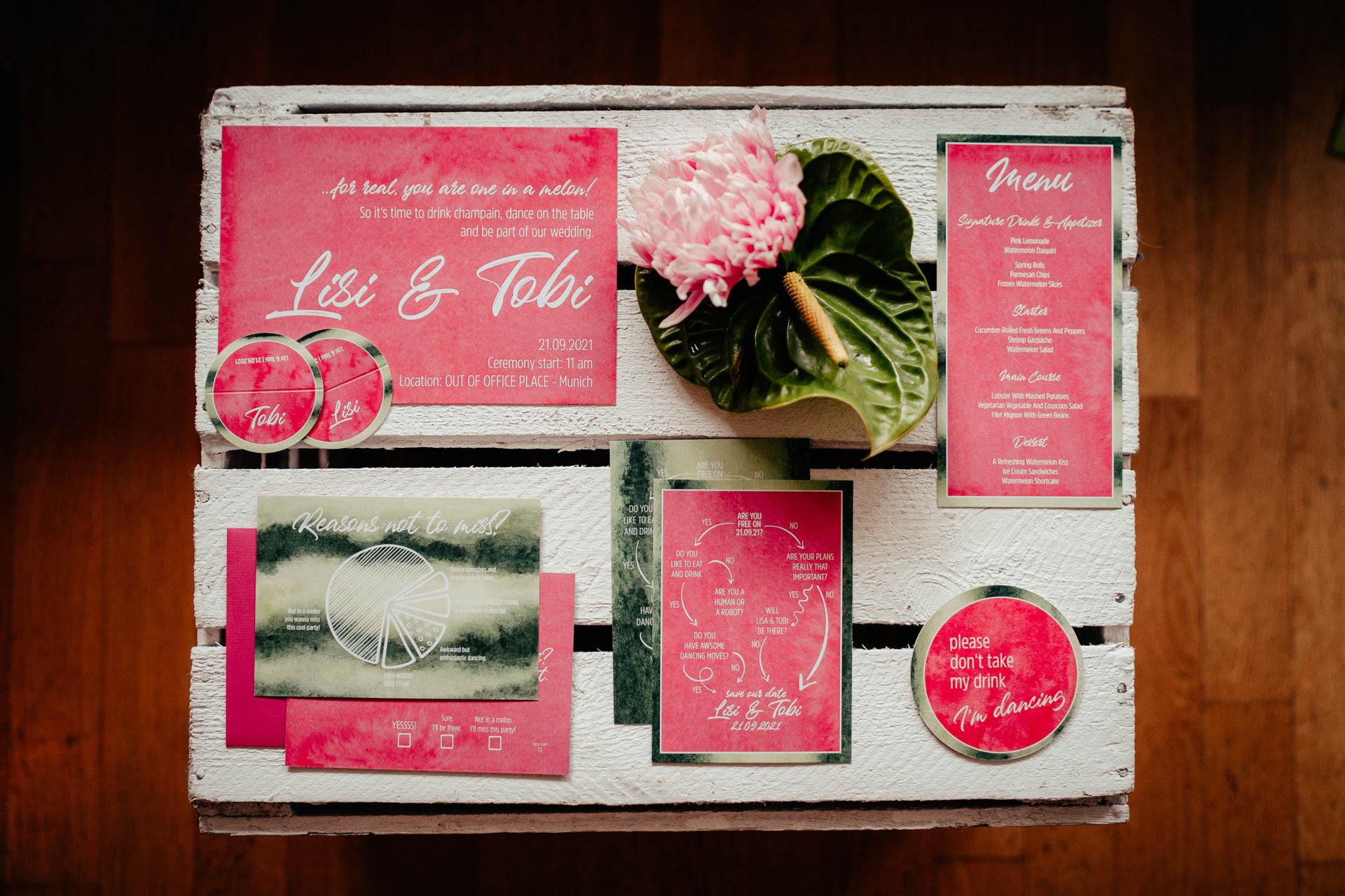Pinke Hochzeitspapeterie in Melonenoptik